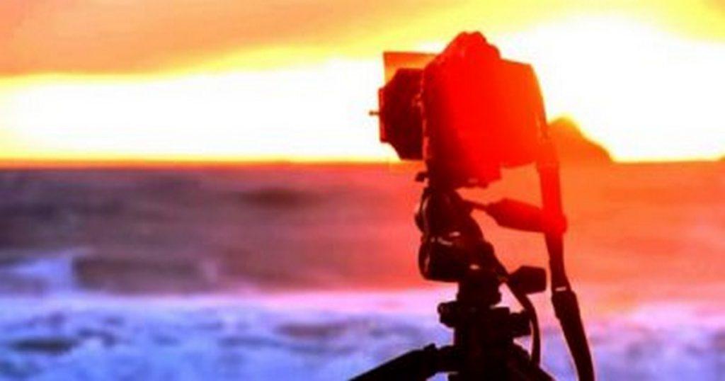 مهنة المصور و وظيفة التصوير صور كاميرا تصوير تصميم برنامج تصميم تصوير فوتوغرافي برنامج فوتوشوب كاميرا تصوير استوديو تصوير فوتوغرافي مجلات صور كاميرا فن التصوير