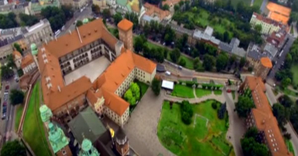 الشغل في بولندا الهجرة للعمل في بولندا الحياة والعمل في بولندا الرواتب في بولندا شركات بولندا